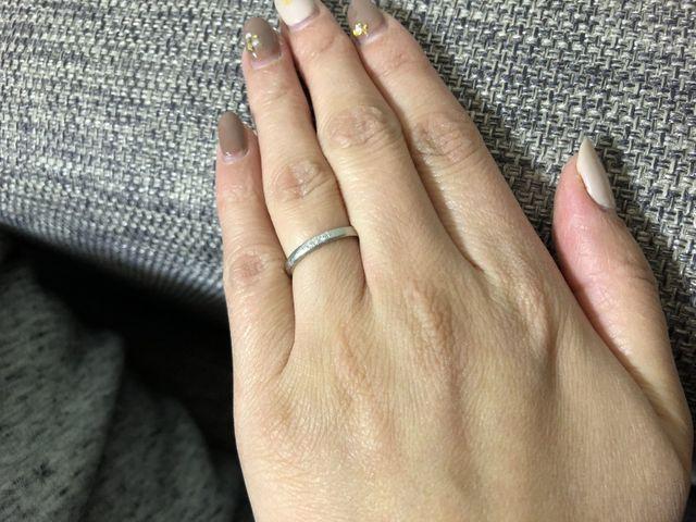 こちらは結婚指輪になります。