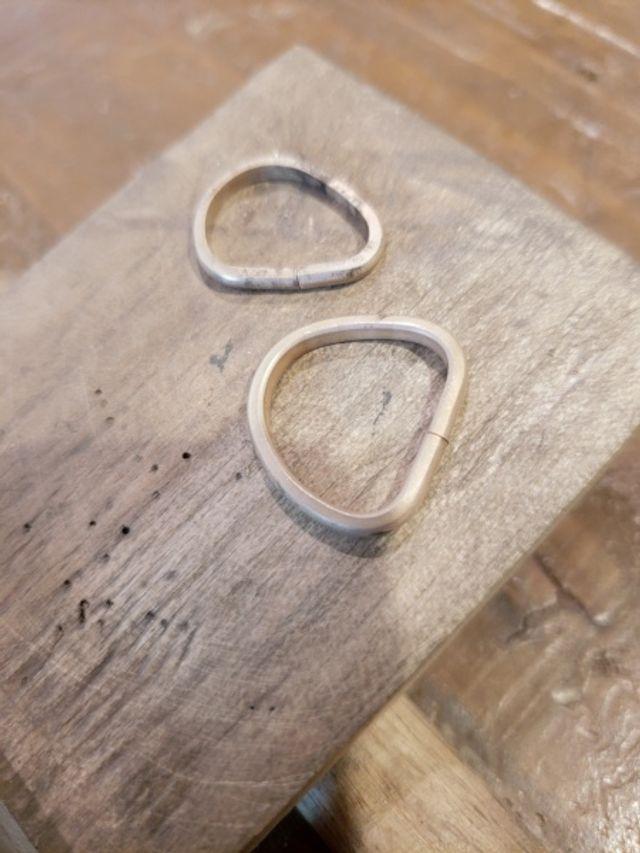 素材を選んで、1本の棒の金属から手作りしました☆
