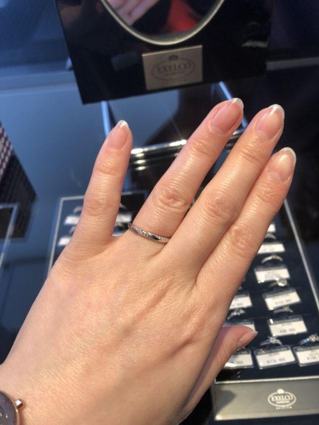 新作の指輪とゆうことで試着しました!