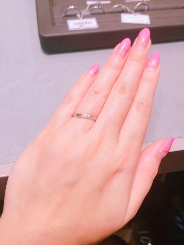 色んな形の指輪を試着しました