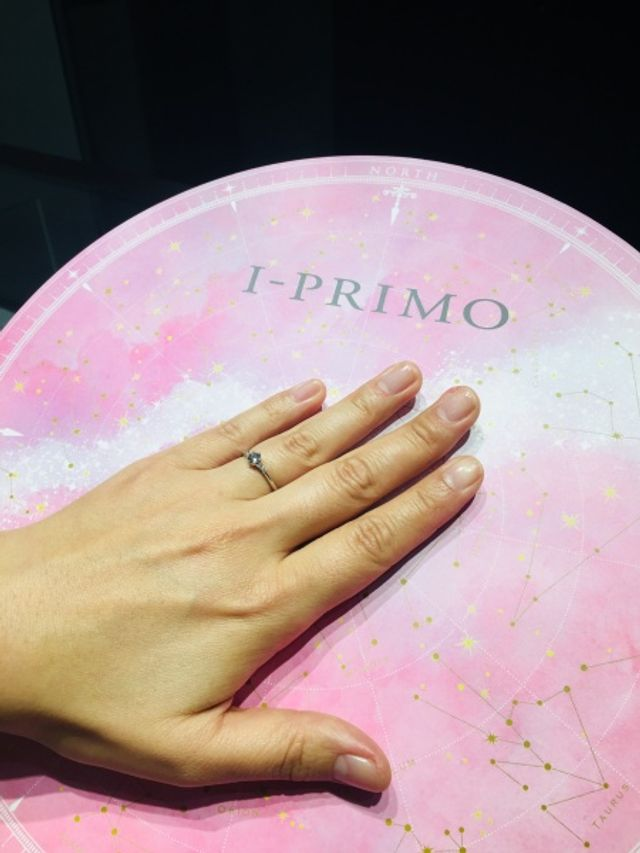 写真撮影用にピンクの台を貸してくれました。