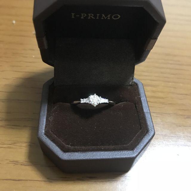 彼からプロポーズされた後にデザイン変更できるリングです。