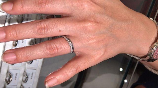 婚約指輪のオレオールと重ねづけ
