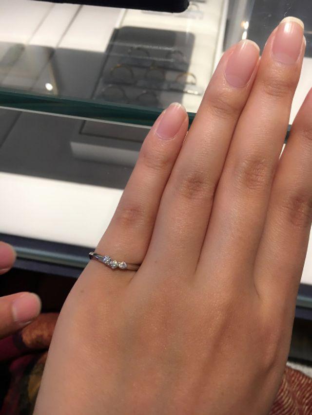 サイズが合わず小指で、、