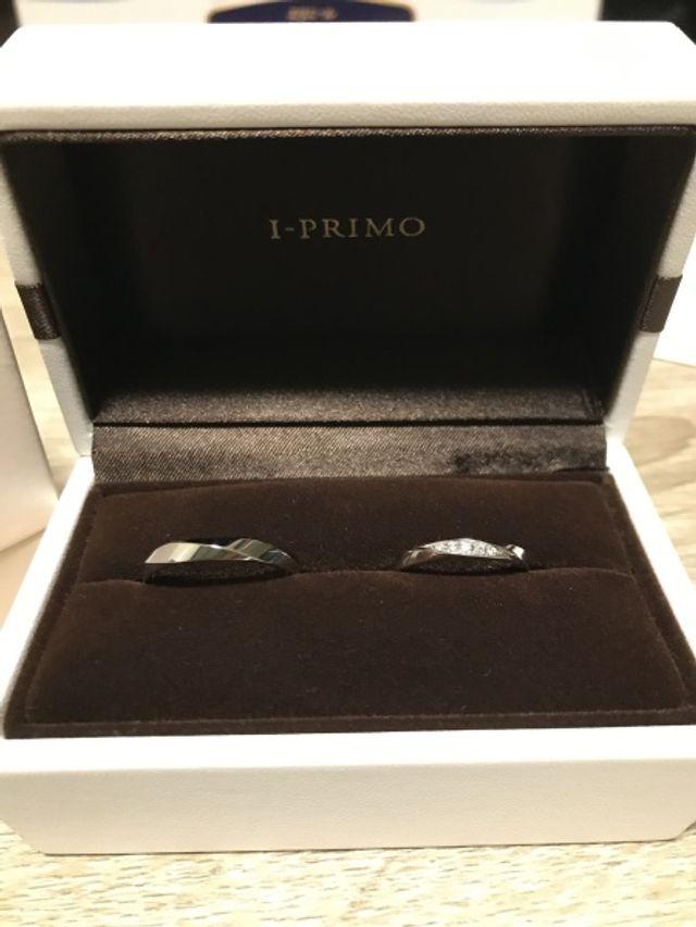 フォルトゥーナの結婚指輪 内側にダイヤを入れてもらいました。