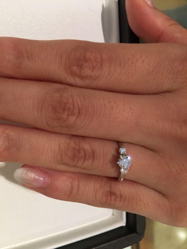 婚約指輪を探していました!