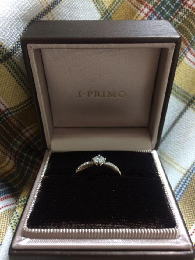 婚約指輪です。