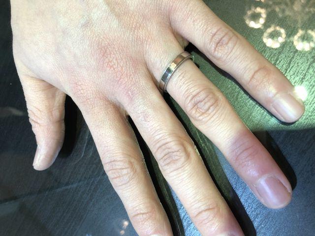 スタイリッシュなデザインの指輪です。