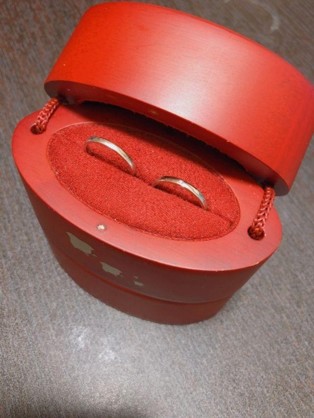 結婚指輪のケースは、ひなオリジナル。
