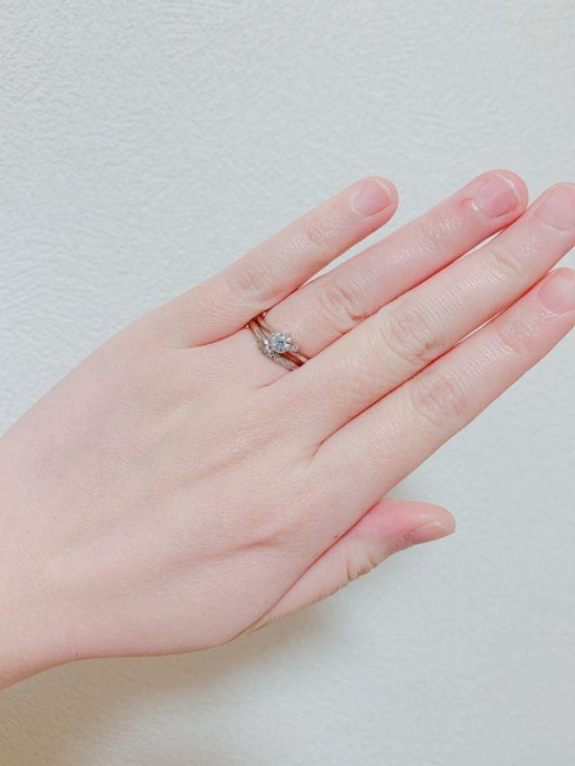 婚約指輪と重ね付け時