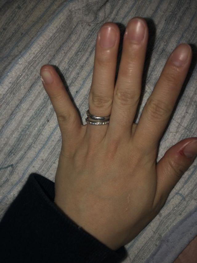 結婚指輪は上のものです。 見た瞬間にコレ!と決めました。
