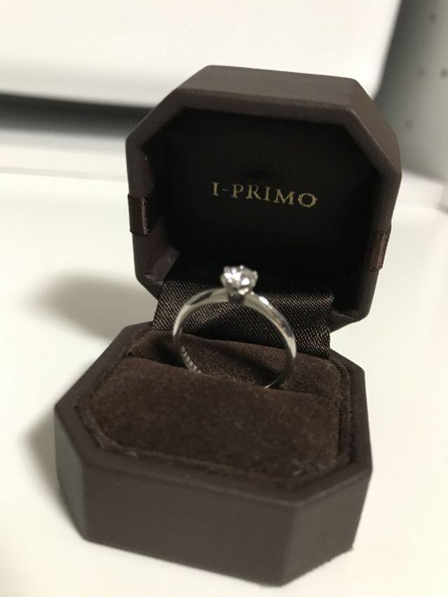 アイプリモの婚約指輪です、ひとつは欲しかったこのデザインに!