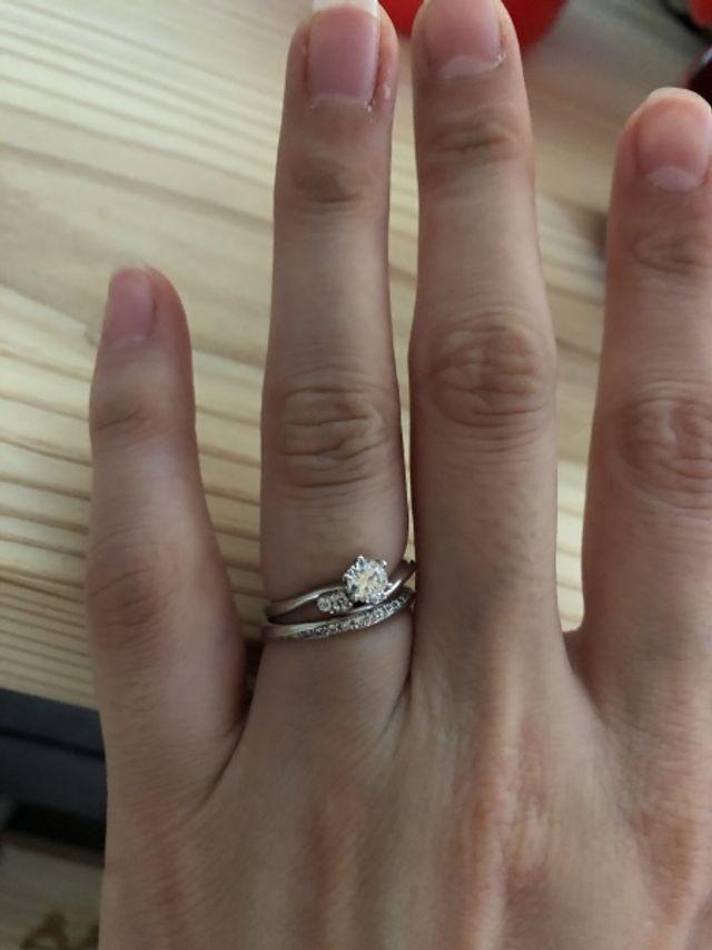 婚約指輪で、旦那がサプライズで用意してくれました。