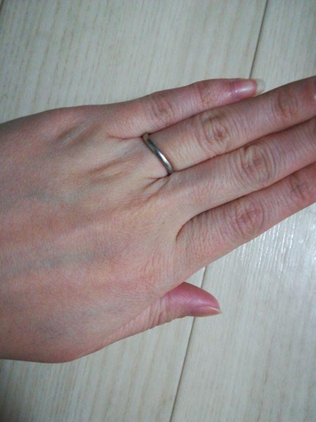 どういったタイプの指輪にしたかを見せるために撮影した写真です
