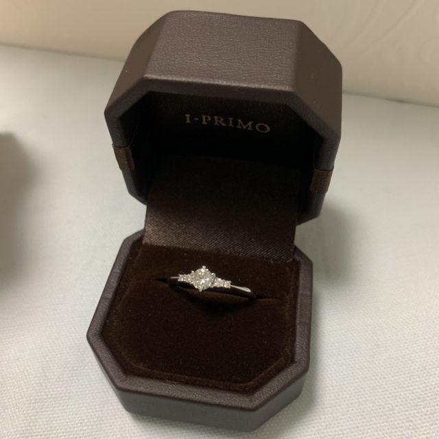 オリオン座をモチーフにし、永遠の愛情などの想いを込めた指輪