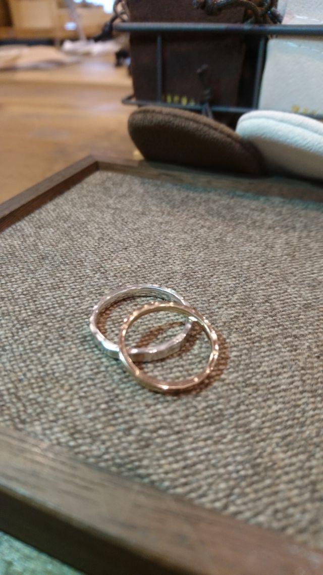 石入れ、文字入れ加工する前の指輪です。