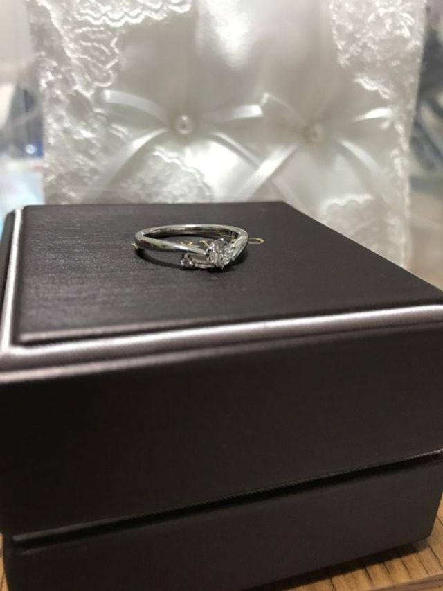 小さいダイヤはピンクダイヤです!
