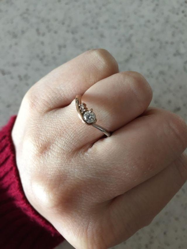 ピンクゴールドとシルバーがかわいい指輪