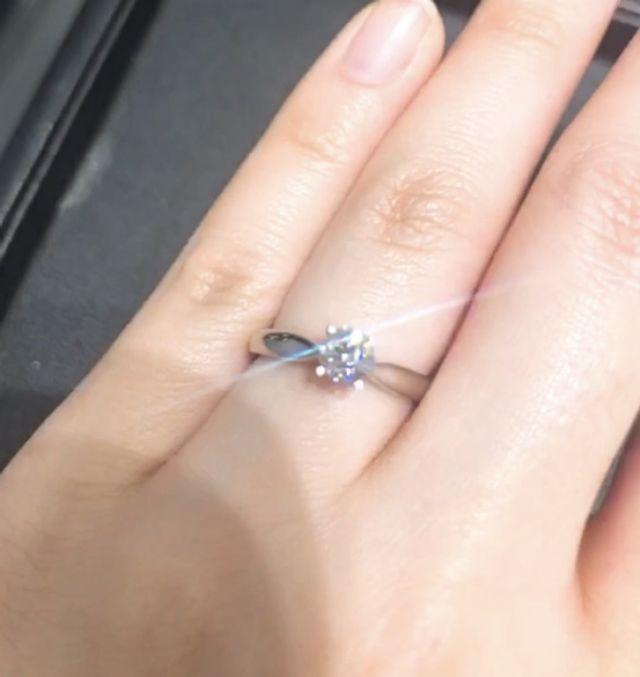 エクセルシアに0.4C程度のダイヤモンドをのせています