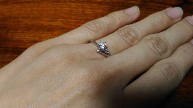 ダイヤが花で、メレダイヤがツタのようにみえてお気に入り