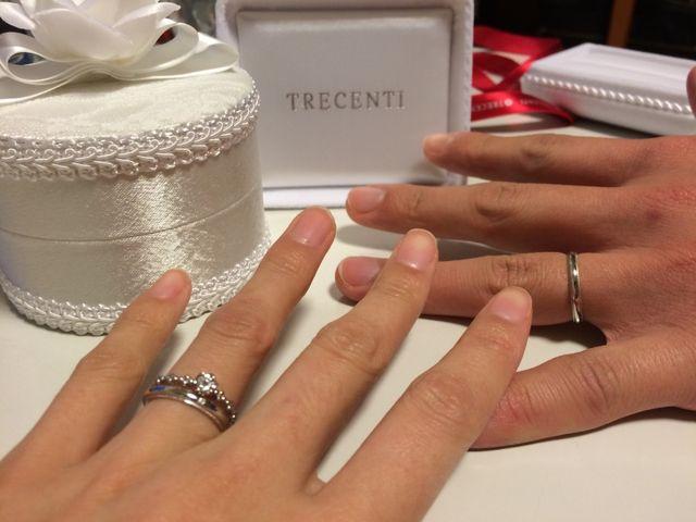 一緒に購入した婚約指輪との相性もばっちり!