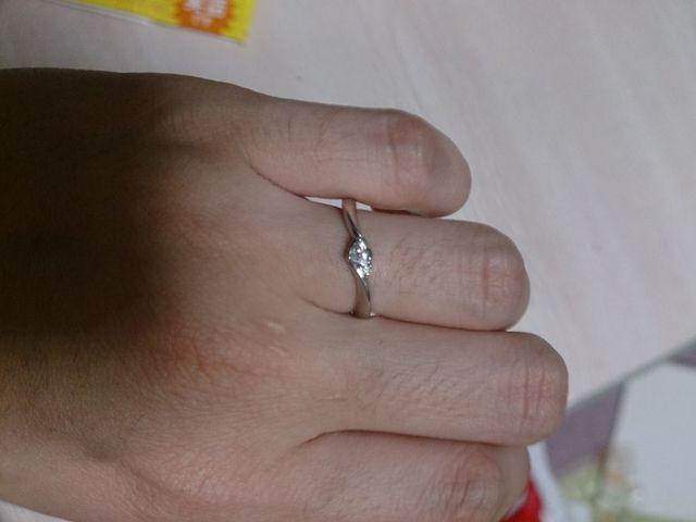 婚約指輪はキュートな物にしました!