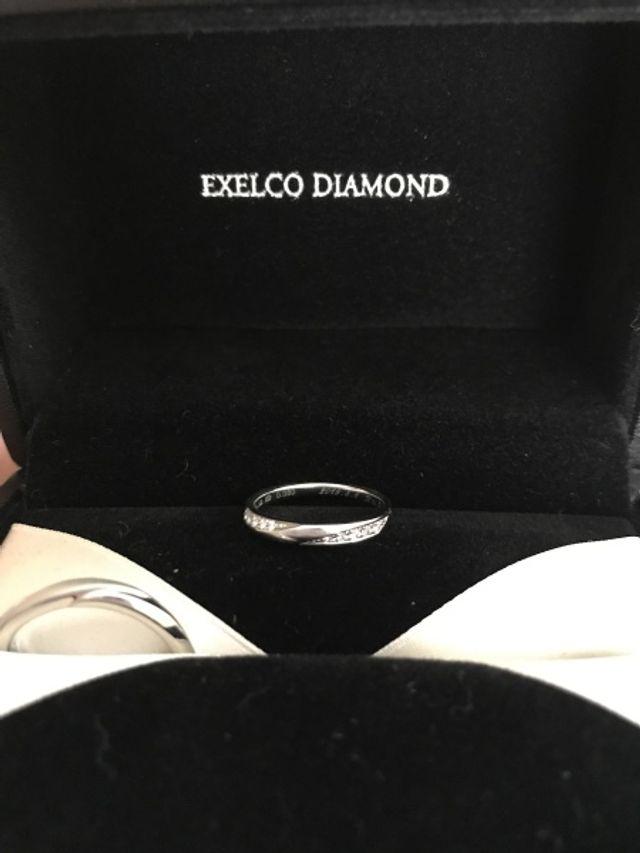小さなダイヤモンド1粒1粒上質な素材とカットで美しいです