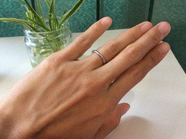 お気に入りの指輪です。シンプルな所がお気に入り。