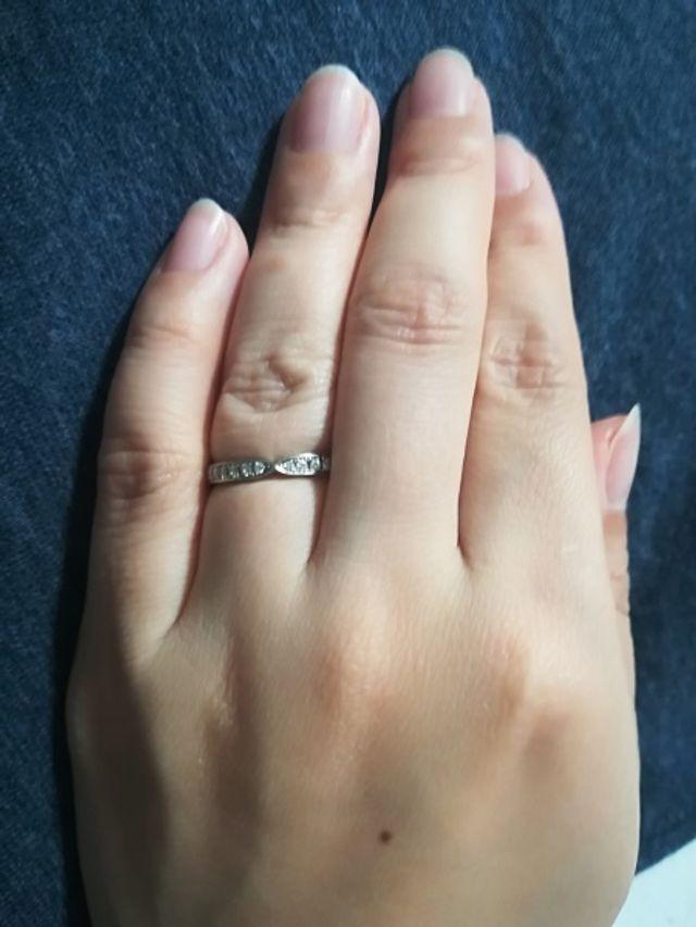 ダイヤモンドの輝きがとてもあります。