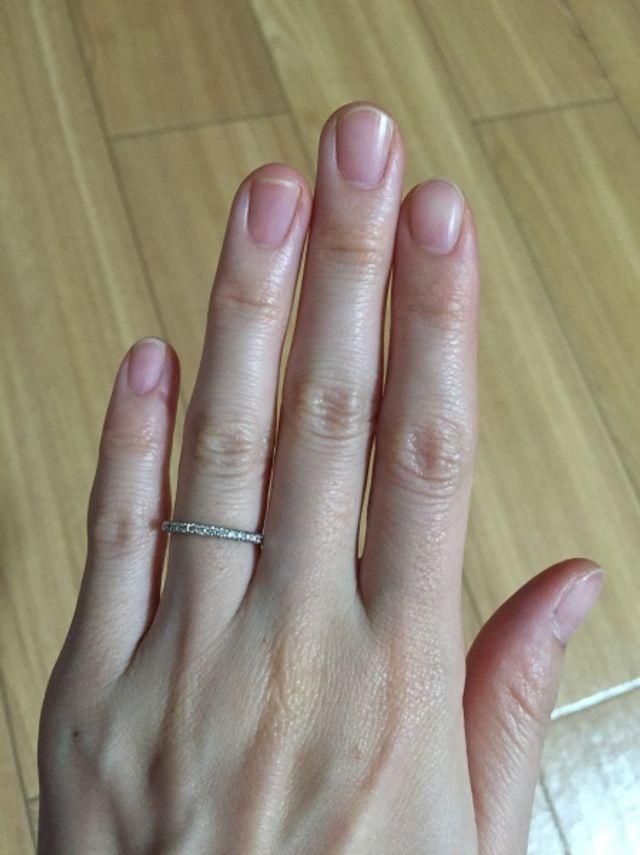 ハーフエタニティの結婚指輪です。単品で購入しました。