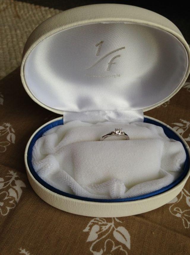 購入した1/fのプリズムという結婚指輪です。