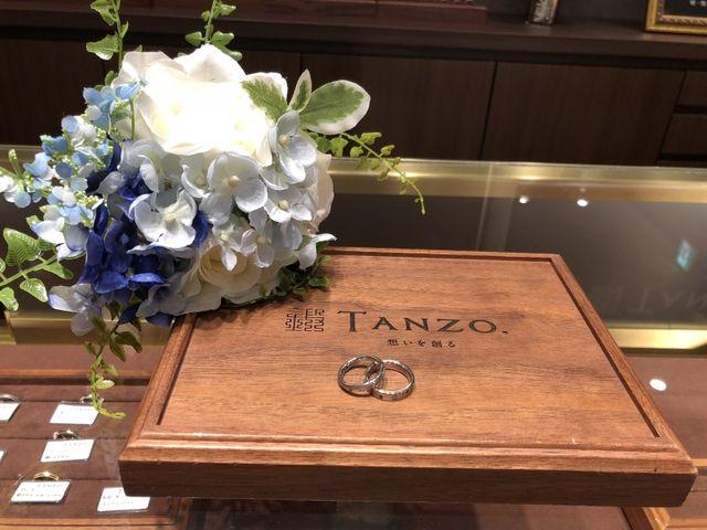 TANZOさんのロゴと作ってもらった指輪の写真