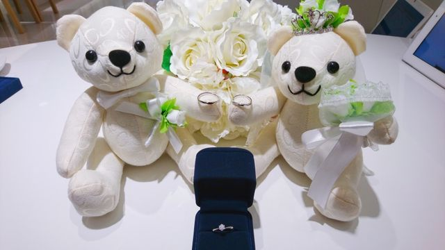 2人の結婚指輪と婚約指輪です!