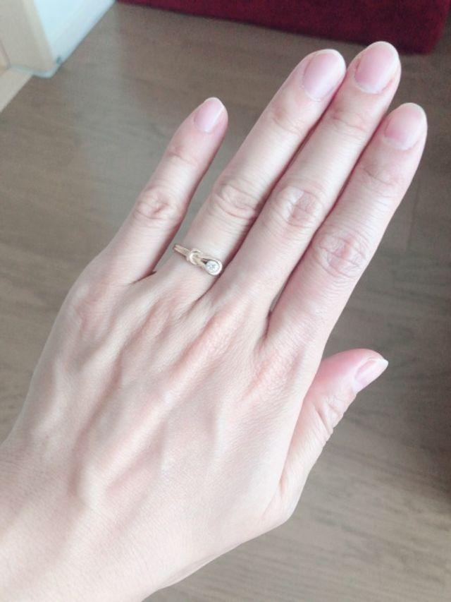 婚約指輪着用