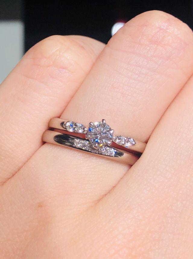 婚約指輪ドリルトンと重ね付け