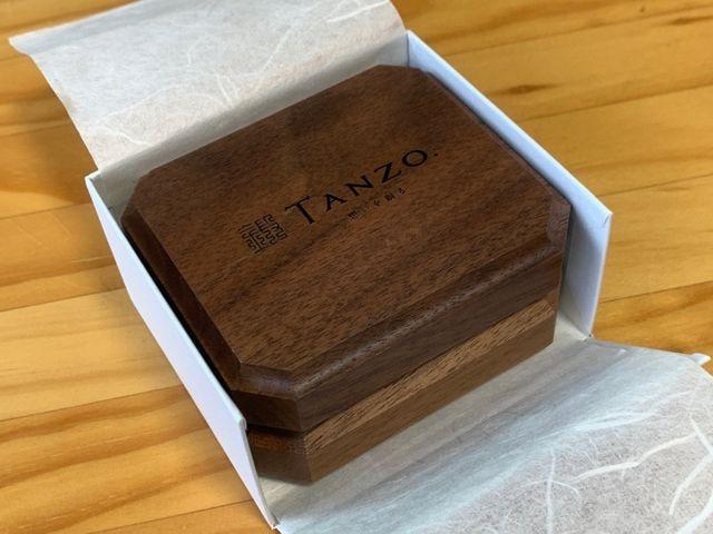 結婚式でもそのまま使える上質なボックスに入れてくれます