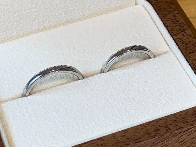 一般的な指輪と比べて厚みが違います