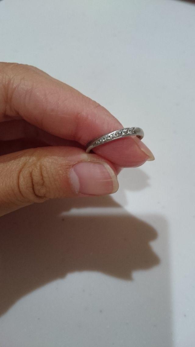 細めの華奢なリングが気に入っています