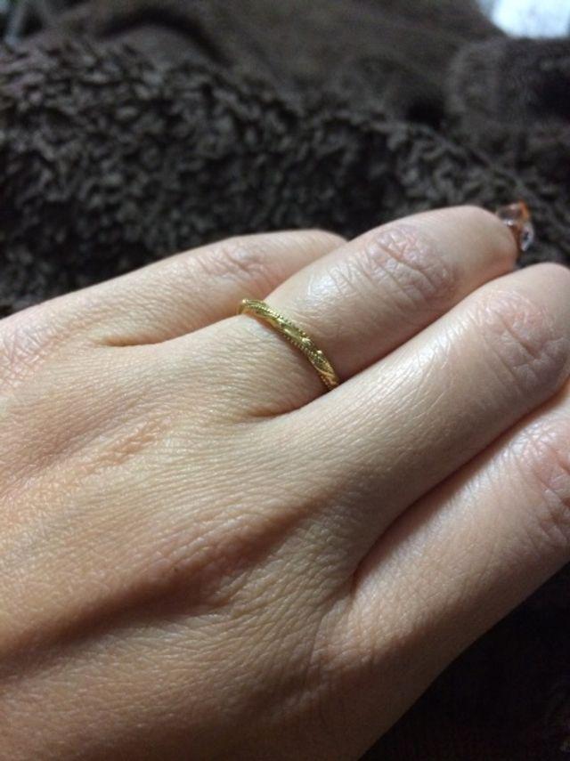 邪魔にもならず、他の指輪との相性もいいです。