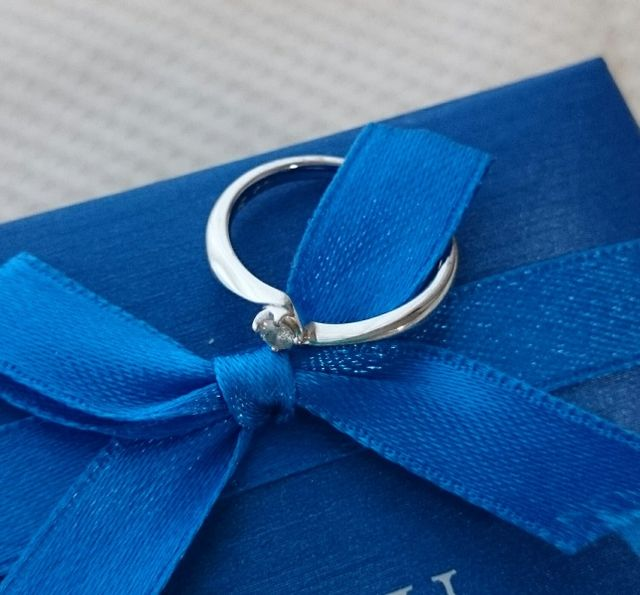 婚約指輪として