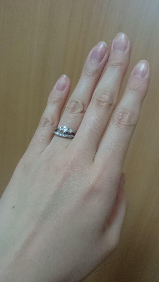 結婚指輪と重ね付けした時