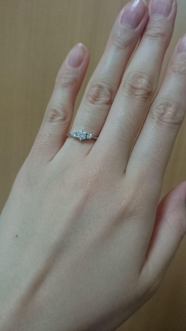婚約指輪を単独で付けた時