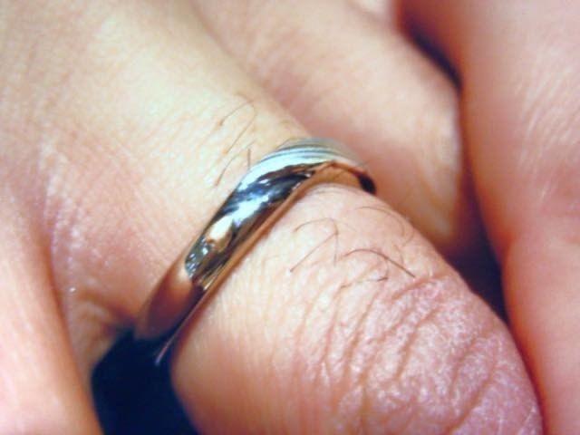 旦那の指輪。