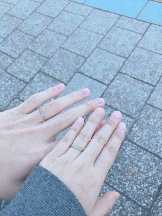 婚姻届提出前に撮りました。