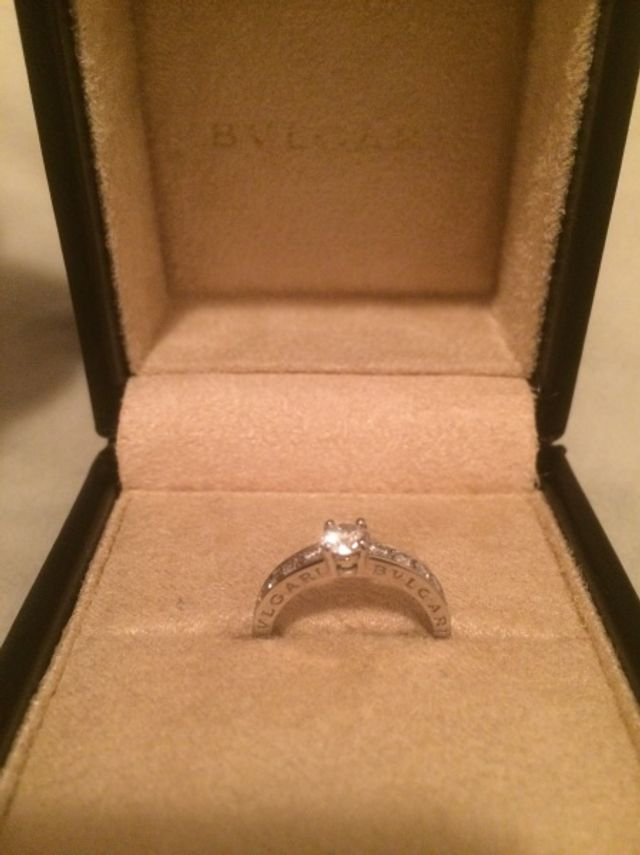 ブルガリ、婚約指輪です。