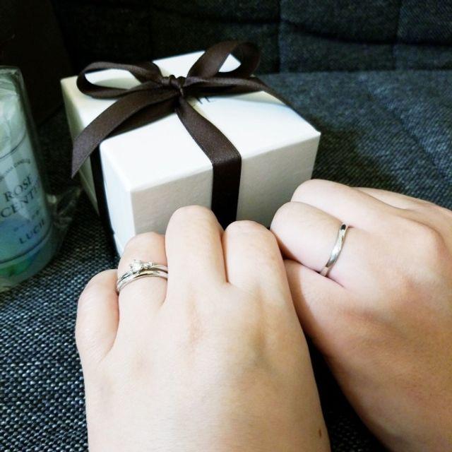 結婚指輪と婚約指輪のセットで購入しました。