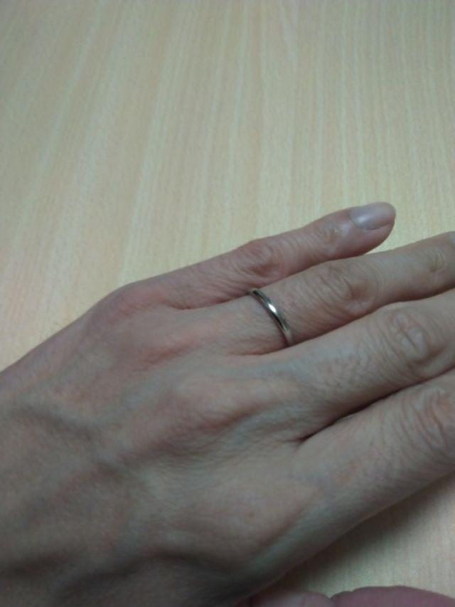 初めて指輪をはめました。心地よい感じで良かった!
