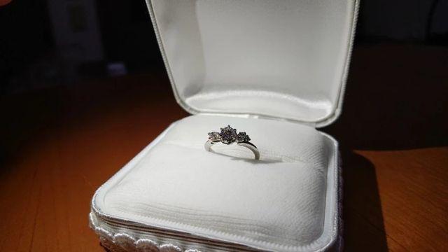 薔薇をモチーフにした世界に一つだけの婚約指輪 カオキ最高。