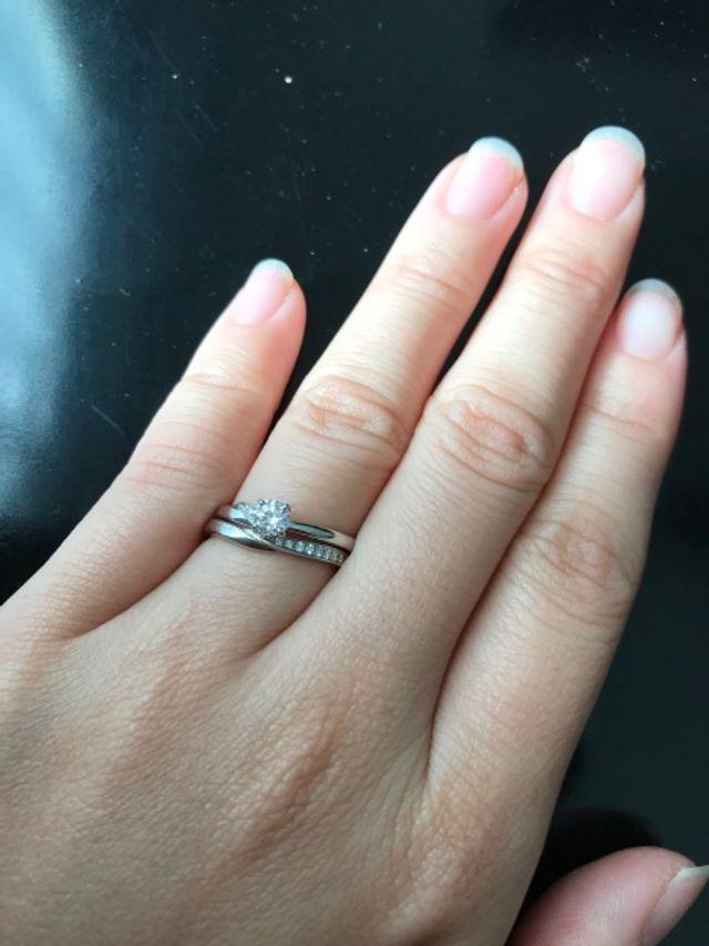 婚約指輪と結婚指輪セットで購入しました。