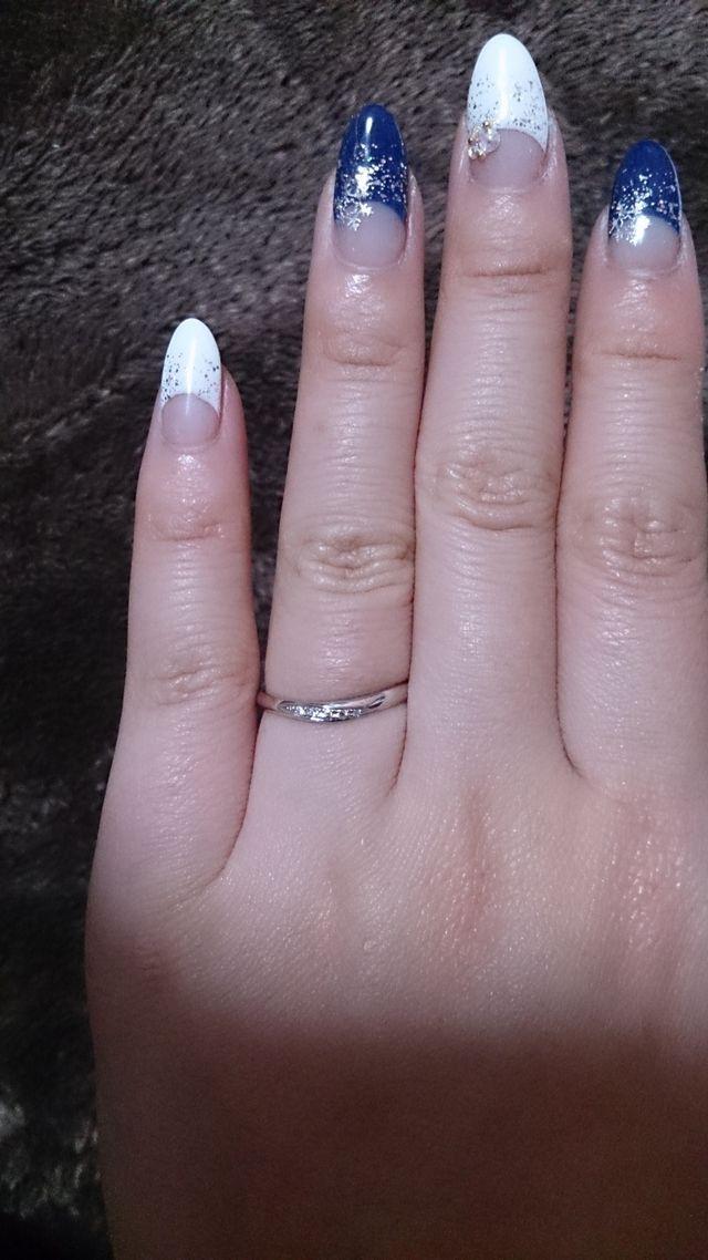 カーブとダイヤのちりばめ具合がとても素敵なリングです♪